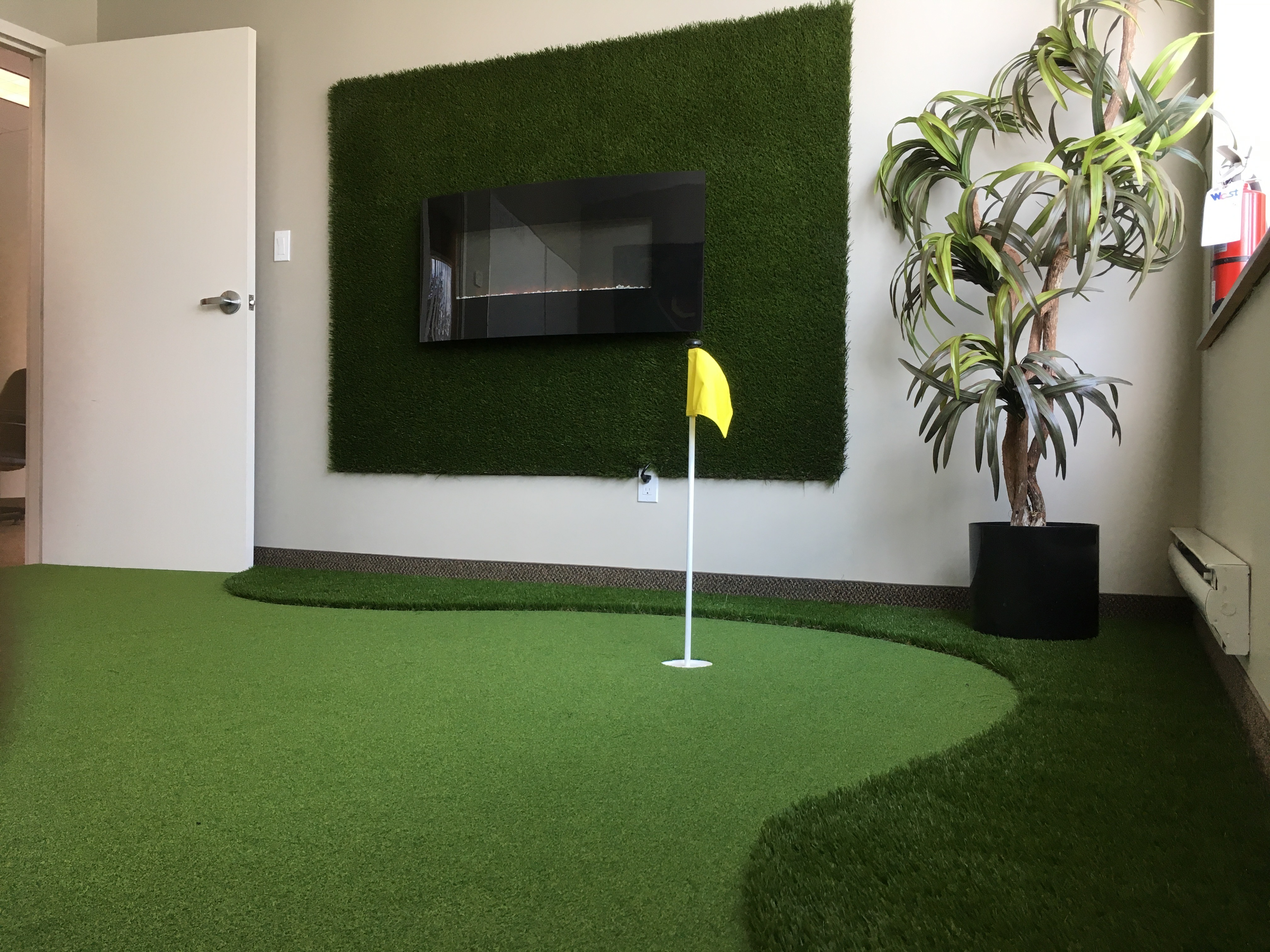 Indoor Putting Greens for Winter Play – Bella Turf