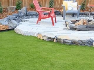 landscapes-bella-turf-new-artificial-grass-for-canada-photos-2019-_0013_bella-turf-spread-1-2