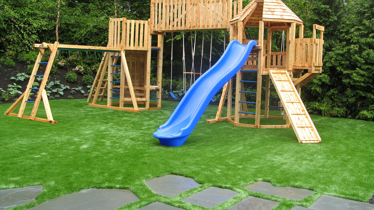 playground-grass-artificial-turf-for-kids-and-pets-bella-turf-grass-_0001_playground