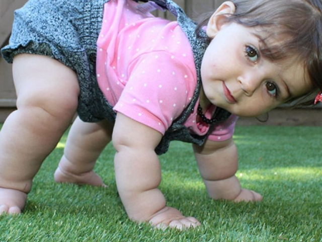 playground-grass-artificial-turf-for-kids-and-pets-bella-turf-grass-_0009_img_6557