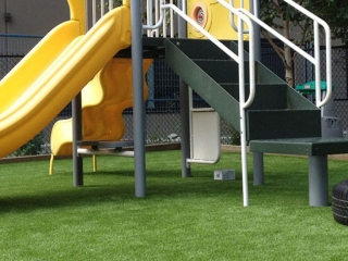 playground-grass-artificial-turf-for-kids-and-pets-bella-turf-grass-_0012_img_2119
