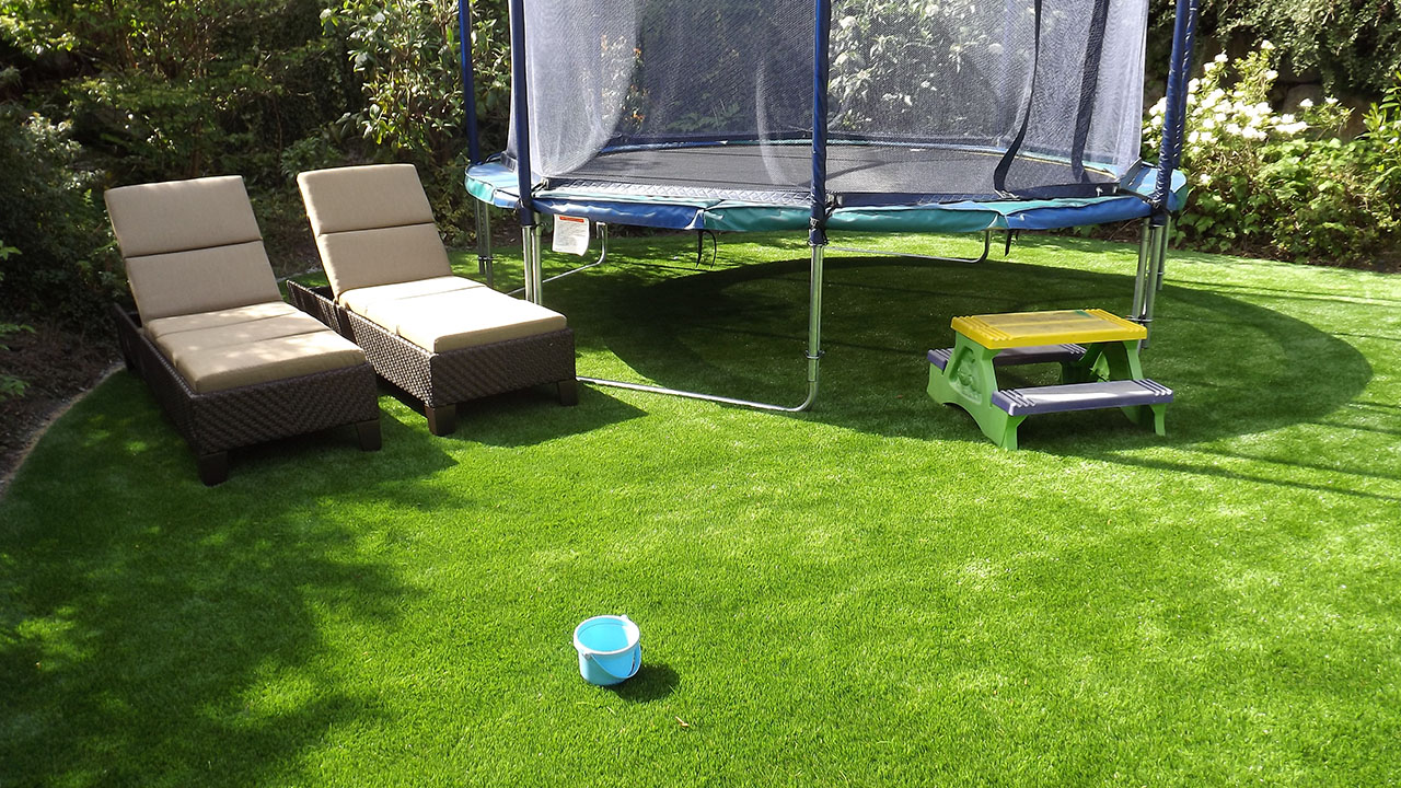 playground-grass-artificial-turf-for-kids-and-pets-bella-turf-grass-_0014_dscf2218