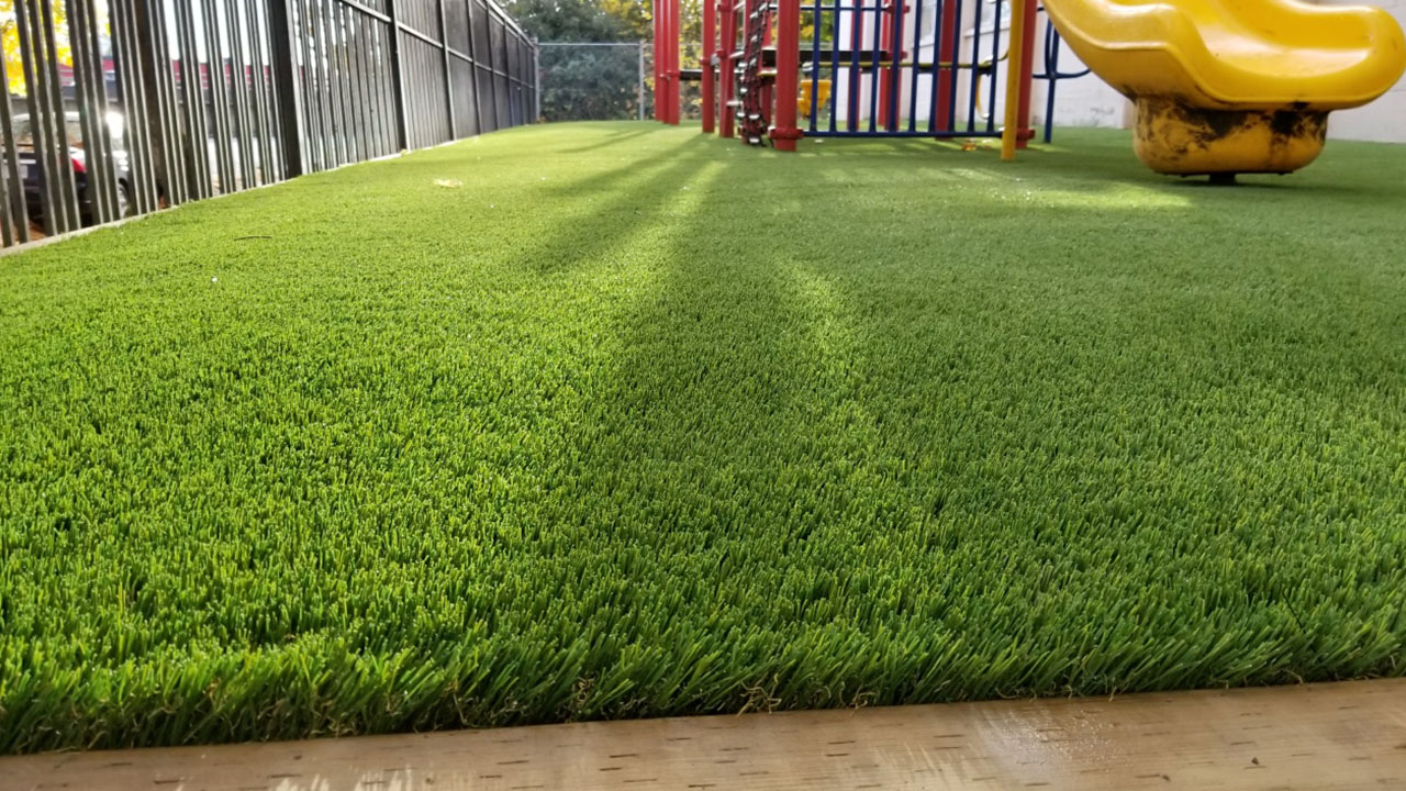 playground-grass-artificial-turf-for-kids-and-pets-bella-turf-grass-_0018_20171029_152144_resized
