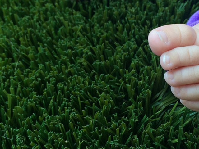 playground-grass-artificial-turf-for-kids-and-pets-bella-turf-grass-_0019_2016-06-17-15.18.26